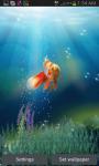 Goldfish In Deep Blue Sea Live Wallpaper screenshot 1/3