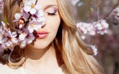 Beautiful Girls With Flowers Live HD wallpapers screenshot 6/6