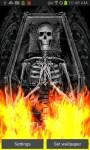 Skeleton Tomb On Flames LWP free screenshot 2/4