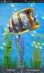 Fish Swim In Deep Blue Sea Live Wallpaper screenshot 1/3