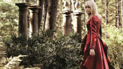 Cute Taylor Swift Beauty Poses screenshot 3/6