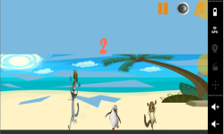Penguin Madagascar On Beach screenshot 1/3
