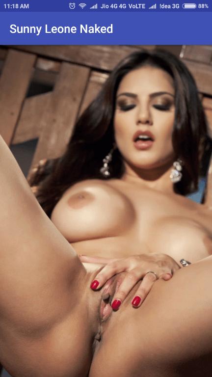 famous women photos naked